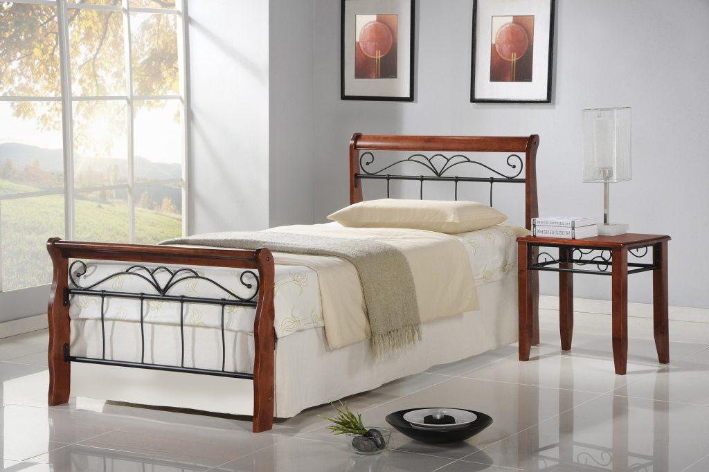 Łóżko Veronica z ozdobnymi, metalowymi elementami