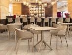 Kwadratowy stół z tworzywa Sky Table 80 Taupe aranżacja wnętrza