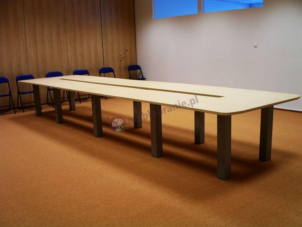 Stół konferencyjny dla 18 osób Rumba