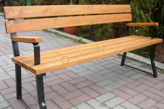 ławka parkowa z podłokietnikami