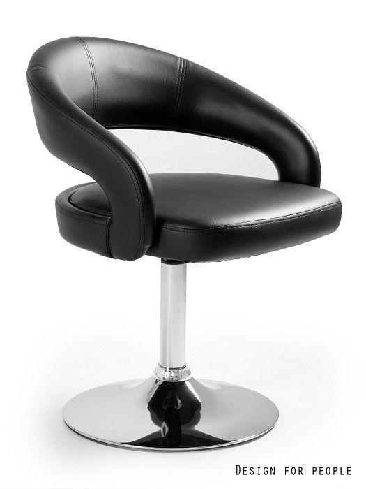 czarny fotel z ekoskóry