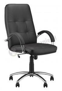 solidny fotel biurowy